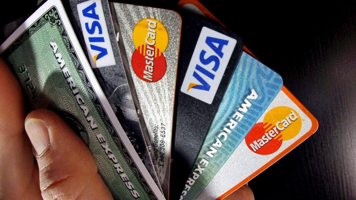 Tarjetas bancarias (crédito o débito)