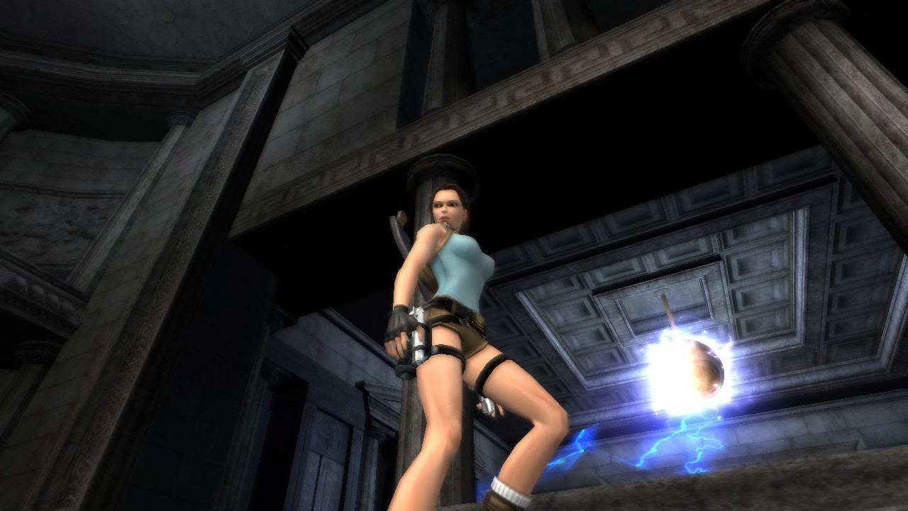 Lara posando como superheroína